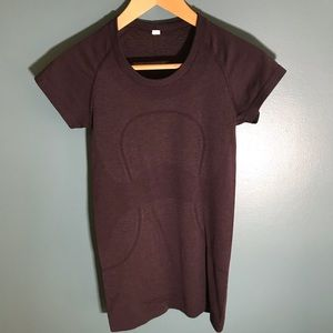 Lululemon swiftly tech purple v neck shirt 4 four